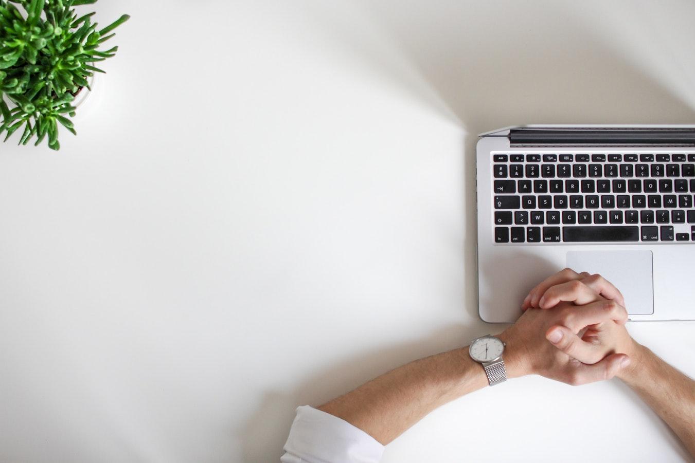 Proper Posture When Sitting At Your Desk